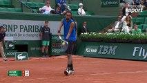 Roland-Garros 2017 : Un magnifique amorti de Dustin Brown pour débuter contre Monfils (1-1)