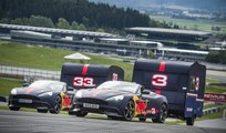 Vídeo: La carrera de Ricciardo y Verstappen con Aston Martin y caravanas