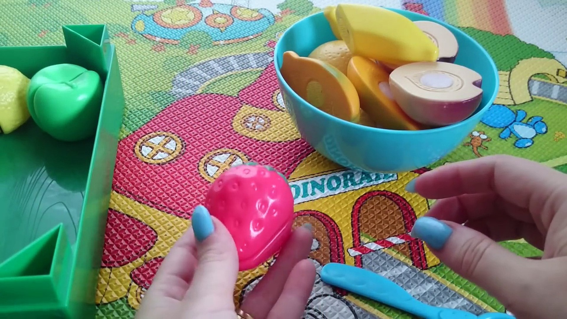 Режем фрукты и овощи на липучках. Открываем игровой набор игрушек. Toy velcro cutting frui