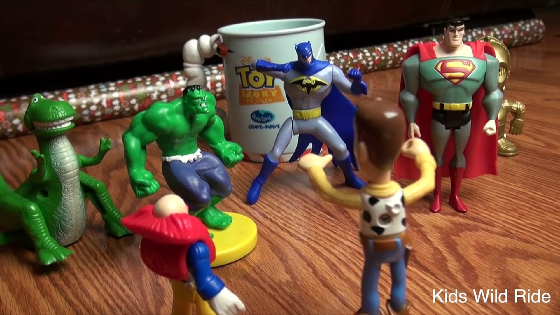 Awesome Cat Attack! TOY STORY 4! Batman Toys, Superman, Hulk, Avengers, STAR WARS, Toy Sto