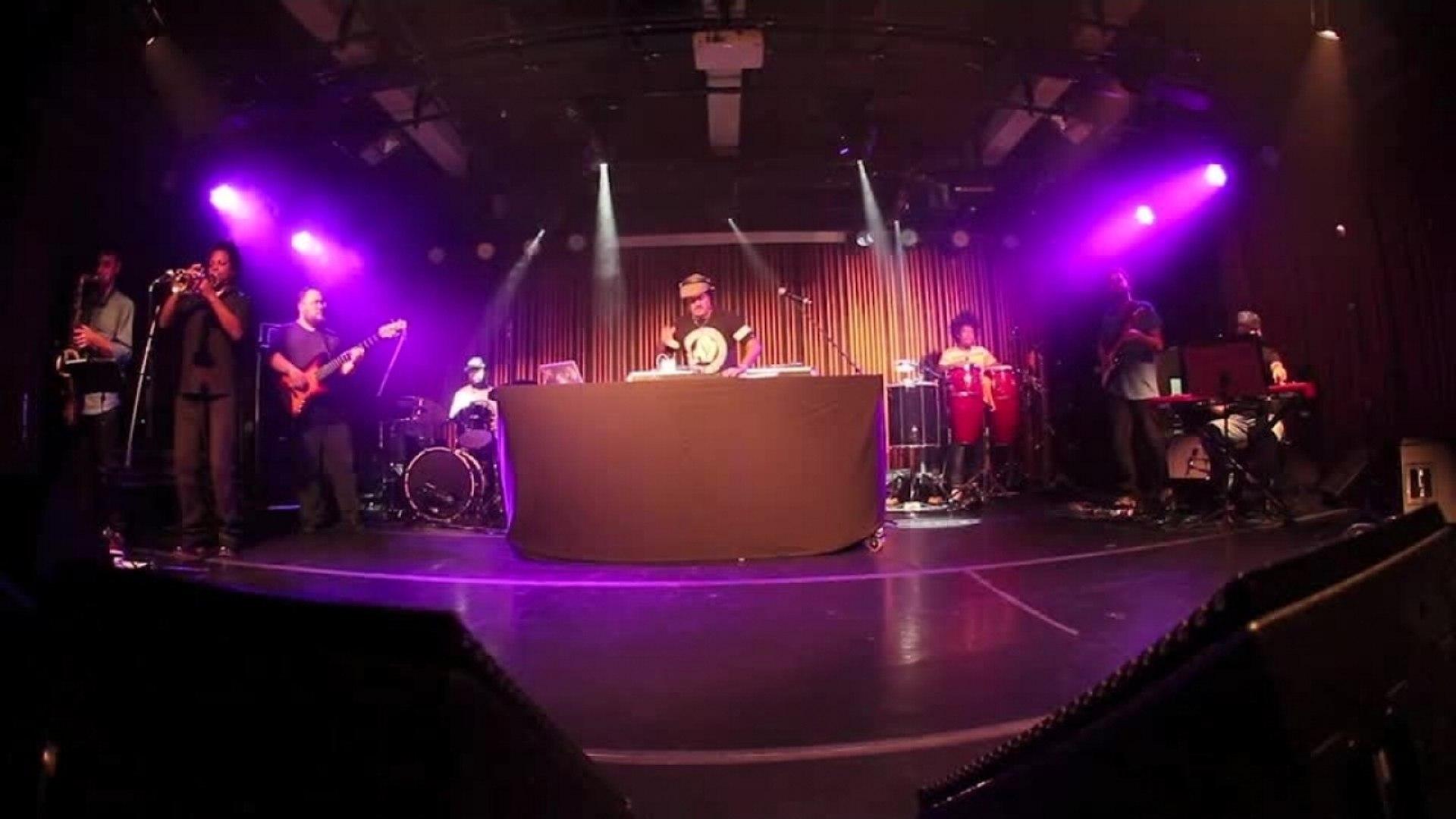 DJ Hum - Dj Hum e o Expresso do Groove (Ao Vivo) Parte 1