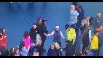 One Love Manchester : un policier danse avec des enfants, la vidéo qui fait le buzz