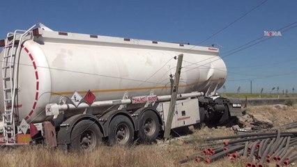 Yakıt tankeri takla attı 3 yaralı