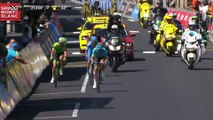 Lutsenko accélère au premier passage sur la ligne d'arrivée / Lutsenko attacks while crossing the finish line for the 1st time  - Critérium du Dauphiné 2017