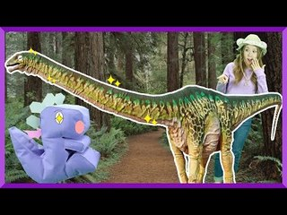 Julie's Dinosaur Story 'Apatosaurus' | CarrieAndEnglish