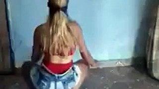 Hot Dance Of a Girl