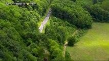 Le peloton s'étire à l'approche des 20 derniers km / The peloton is stretching with 20 km to go - Etape 3 / Stage 3 - Critérium du Dauphiné 2017