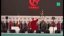 """La Turquie commémore le putsch raté contre Erdogan qui promet d'""""arracher la tête des traîtres"""""""