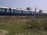 LKO WDM-3A PRABAL explodes at Gorakhpur outer with Amrapali Express