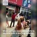 Des personnes piégées dans un restaurant en feu sauvées par l'arrivée d'un camion