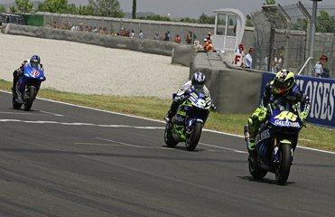 Valentino Rossi's Top 10 Tightest Wins... How close? Watch to the end!