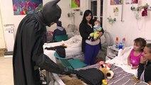 Un Batman argentin au chevet d'enfants malades