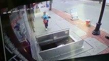 Une femme de 67 ans tombe dans une trappe de 2 mètres alors qu'elle écrivait un SMS en marchant