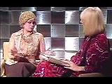 DERCY GONÇALVES EM 1977 DANDO ENTREVISTA A MARÍLIA GABRIELA - 3.1
