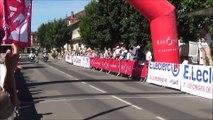 Cyclisme : chute à l'arrivée de la deuxième étape du Tour du Beaujolais