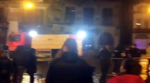 Le Théâtre de Binche en feu après le feu d'artifice du carnaval