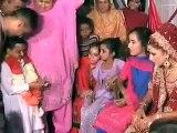 پاکستانی چھوٹے میاں کی محبت کی شادی کی وڈیو �