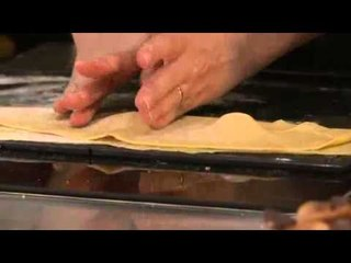 Ravioles de foie gras et bouillon de cèpes