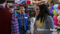 Mindy Catches Peter • The Mindy Project on Hulu-bnRRptsRO8c