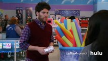 Mindy Catches Peter • The Mindy Project on Hulu-b