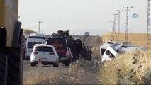 Polis Midibüsü ile Sivil Minibüs Çarpıştı: 2 Ölü, 4'ü Polis 18 Yaralı