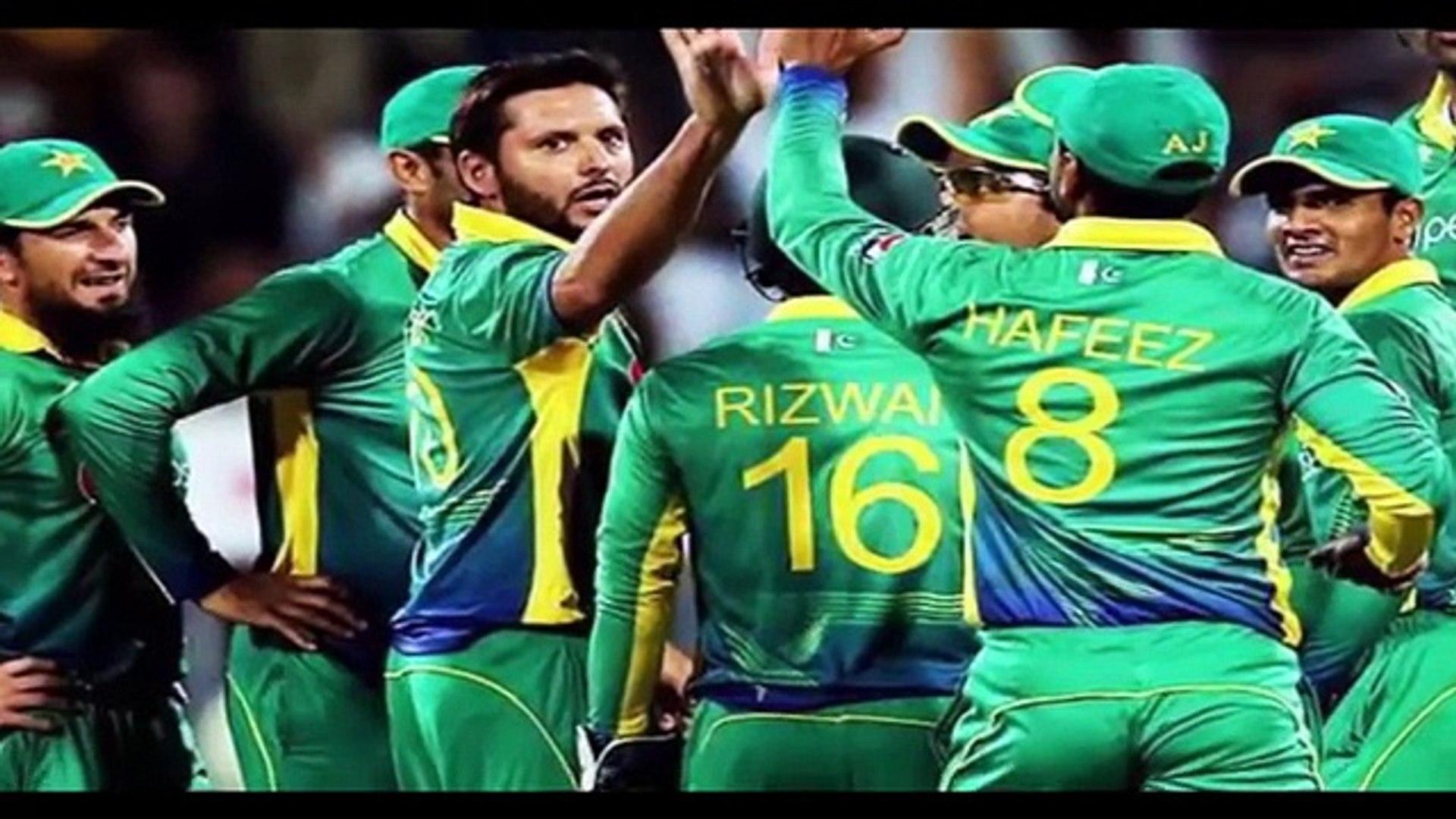 Rishi Kapoor ka pak vs india final match pr aisa bayan k pora pakistan bhrk utha. - YouTube