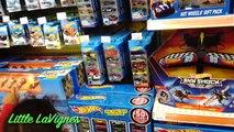 Des voitures vérifier pour chaud chasse enfants pâte à modeler achats objectif jouet jouets roues Doc mcstuffins