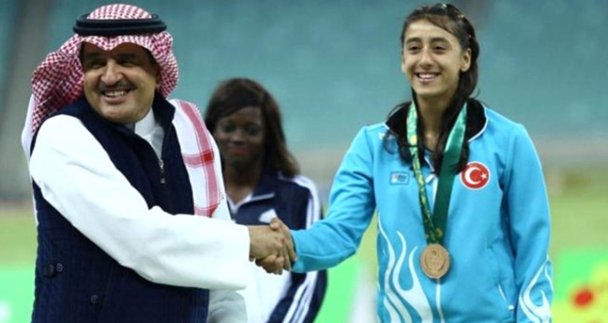 17 Yaşındaki Atlet Mizgin Ay, 2 Yılda 27 Türkiye Rekoru Kırdı