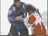 Patrick Roy vs Chris Osgood Hockey fight