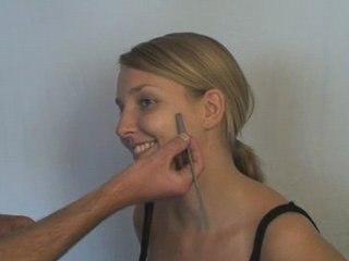 Visionnez les Cours Vidéo de Comment maquiller un bouton