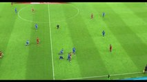 Un joueur de foot s'énerve et tire sur ses adversaires