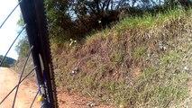 Vamos pedalar, vamos viver, vamos respirar saúde, vamos pedalar, trilhas do Morro Alto, Taubaté, SP, Brasil, com os  amigos, com os bikers, junho, 2017, 4k, 2,7k, ultra hd, full hd, hd.