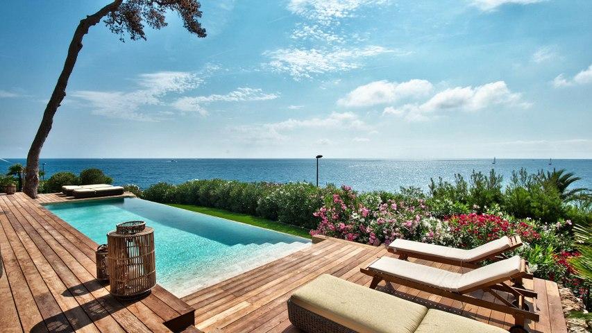 Location Villa Cap d'Antibes 06160 - Maison contemporaine 340 m² - Vue Mer panoramique - Piscine sur terrain 1500.00 m²
