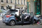 Spectaculaire accident de voiture dans Paris