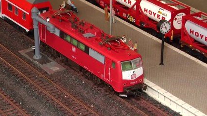 HO scale modular model train show with sexy scenery - Model train video by Pilentum about model railroading and railway modelling