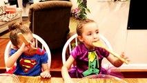 Bébé mal bateau la famille vie sur hors hors réal super-héros jouet Freaks maddakenz joker