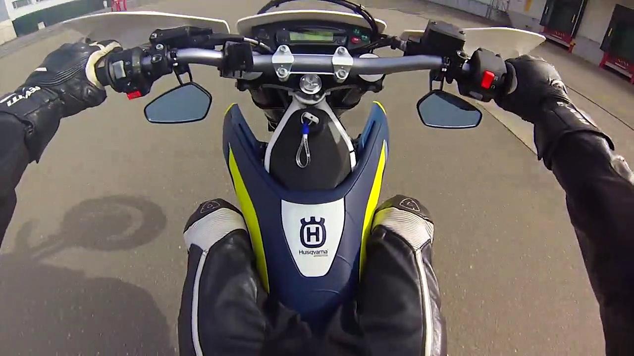 Some Wheelith A Husqvarna 701 Supermoto!!