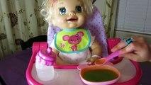 Bébé vivant apprend à pot poupée va pipi dans sa toilette pot graphique jouet récompense