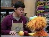 Sesame Street - Zoe Buys Fruit/Baby Bear Uses a Payphone