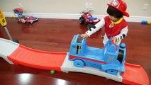 Et des voitures vers le bas moteur amis rouleau réservoir le le le le la jouets vers le haut en haut Step2 thomas coaster thomas disney