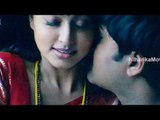 Srikanth, Sneha Kiss Scene  - Evandoi Srivaru Movie Scenes