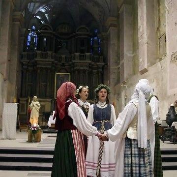 Литовская народная полифония. Каунас, фольклорный фестиваль Atataria lamzdžiai