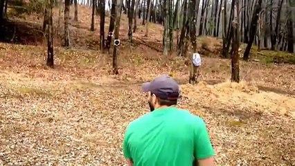 Spara contro gli alberi e riceve subito una lezione da Madre Natura!