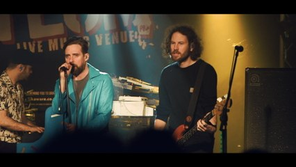 Kaiser Chiefs - We Stay Together - Absolute Radio Live