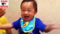 Par vidéos bébés manger citron dabord regarder leurs réactions bébés rieurs