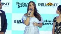 Uh-oh! Kareena Kapoor has a wardrobe malfunction - Bollywood News - Latest Bollywood News 2016