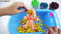 Enfants les couleurs des œufs pour géant Apprendre apprentissage seringue voir avec Injection surprise