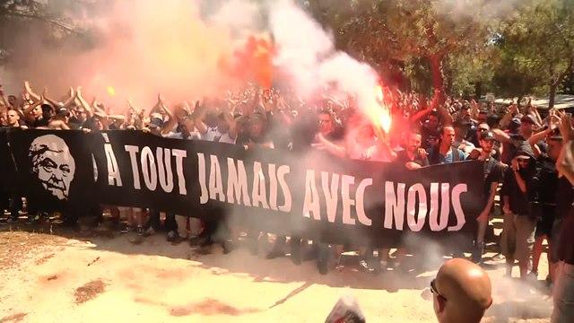Foot - L1 - MHSC : Les supporters rendent hommage à Louis Nicollin