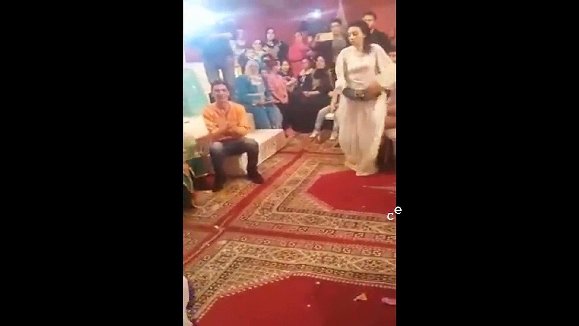 احلا شعبي في عرس مغربي خطييييير  Maroc Nayda Nachat cha3bi 2017 - YouTube