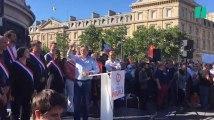 Depuis la place de la République, Jean-Luc Mélenchon s'en prend à Emmanuel Macron